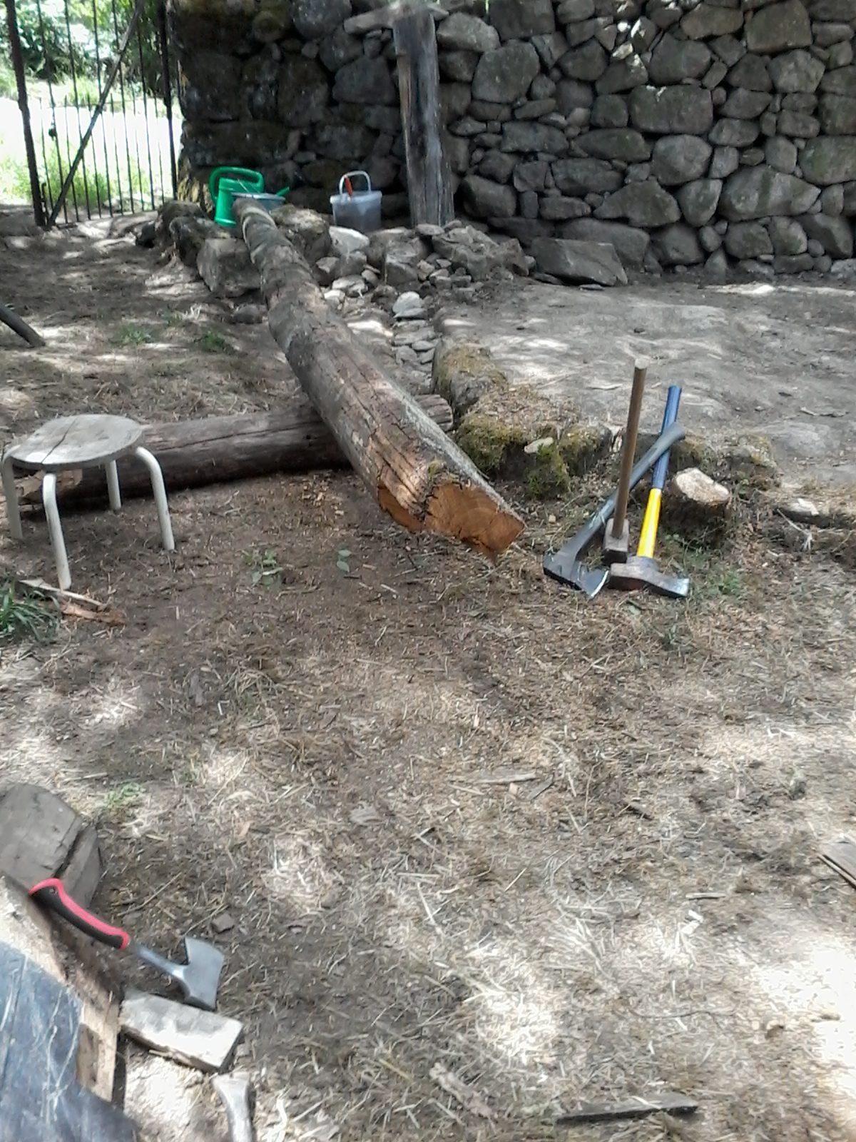 2017-05-29 Zur Holzbearbeitung ist schweres Werkzeug notwendig